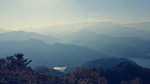 仏果山丹沢の山々